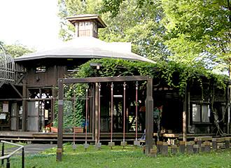 境之谷公園こどもログハウスの外観写真